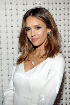 jessica-alba-galvan-s-new-collection-for-opening-ceremony-in-los-angeles-january-2016-1.jpg (1280×1923)
