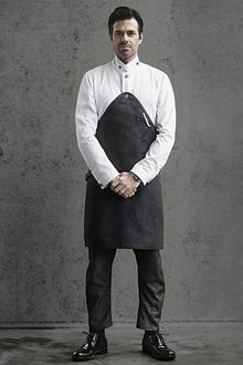 Chief Sergio Herman van The Jane - Meg Cafe Uniform, Waiter Uniform, Hotel Uniform, Uniform Shop, Uniform Clothes, G Star Raw, Corporate Attire For Men, Ideas Cafe, Housekeeping Uniform