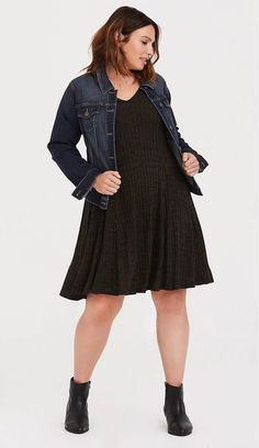 Plus Size Swing Sweater Dress - Plus Size Fall Casual Outfit Idea - Plus Size Fashion for Women - Plus Size Fall, Look Plus Size, Dress Plus Size, Plus Size Outfits, Plus Size Casual, Outfits Damen, Komplette Outfits, Casual Fall Outfits, Fashion Outfits