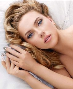 Wedding Make-up Look Bridal Hair And Makeup, Bridal Beauty, Wedding Beauty, Wedding Makeup, Make Up Helle Haut, Day Makeup, Makeup Looks, Beauty And Fashion, Scarlett Johansson