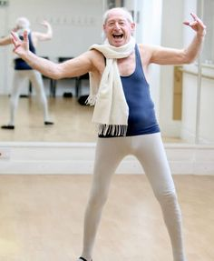 Ballet dancer, 88, makes debut - The Carwash Live
