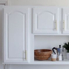 3-Step Kitchen Cabinet Makeover #DIY #kitchen