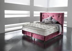 Das #Tiffany 12000 mit dem Kopfteil #Chelsea von #Somnus ist ein #Boxspringbett zum verlieben. Feinste Materialien und Stoffe, vereint zu einem unvergleichbaren #Bett.