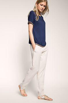 Esprit - Fließendes Jersey-Shirt mit Schmuckperlen im Online Shop kaufen