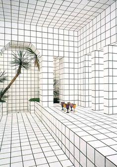 In 1974 Jean Pierre Raynaud opened la Maison de La Celle-Saint-Cloud in Paris