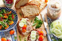Letnia kiszonka wielowarzywna | Smaczna Pyza Polish Recipes, Preserves, Cobb Salad, Nom Nom, Seafood, Sausage, Food And Drink, Homemade, Chicken