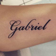 El nombre de Gabriel tatuado