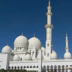 What a amazing temple #abudhabi #Muslim #widenmyeyes  Sheikh Zayed Grand Mosque مسجد الشيخ زايد in أبوظبي, أبوظبي