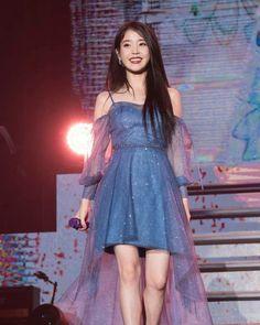 Luna Fashion, Blackpink Fashion, Kpop Fashion Outfits, Stage Outfits, Asian Fashion, Fashion Dresses, Mode Kpop, Fairytale Dress, Idole