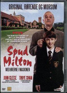 Den splejsede 15-årige John Milton er kommet på en af Sydafrikas finere kostskoler. Her får han sin sag for blandt skolens andre elever, der gir buksevand for et godt ord, og han bliver venner med mobbeoffer nr. 1, den altid syge dreng Gekko. Og så er der jo lige det der med pigerne.... Medvirkende: John Cleese, Troye Sivan ... et al.. Originalfilmen: Sydafrika : Roguestar Films : BLM Productions, 2010.