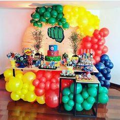 Avengers Birthday, Superhero Birthday Party, Boy Birthday Parties, Birthday Balloons, Avengers Party Decorations, Balloon Decorations Party, Birthday Party Decorations, Party Themes For Boys, Lucca