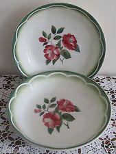 Deux assiettes creuses calotes faience de Digoin modèle Mireille décor de roses