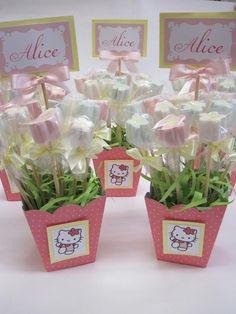 Vasinho de marshmallow, pode ser usado na decoração, como centro de mesa e até lembrancinhas.