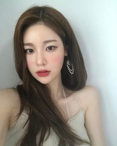 Cute Korean Girl, Asian Girl, Cute Makeup, Makeup Looks, Teen Girl Poses, Best Face Products, Portraits, Ulzzang Girl, Aesthetic Girl