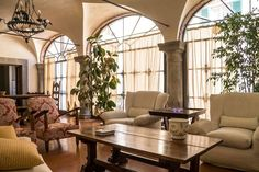 Antica Dimora a Campana - Villas for Rent in Panzano In Chianti, Toscana, Italy Oversized Mirror, Villas, Apartments, Room, Italy, Furniture, Awesome, Check, Design