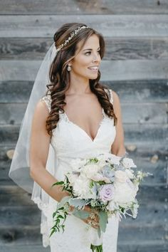 Half Up Wedding Hair, Wedding Hairstyles Half Up Half Down, Vintage Wedding Hair, Bridal Hair Vine, Bridal Hair Half Up With Veil, Wedding Hair With Veil, Elegant Wedding Hairstyles, Wedding Rings, Beach Wedding Veils