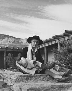 Philippe Halsman - Georgia O'Keeffe, Abiquiu, New Mexico, 1948. S)