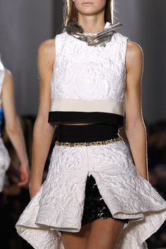 Giambattista Valli Spring 2014 Couture Fashion Show Couture Fashion, Runway Fashion, Spring Fashion, Fashion Show, Womens Fashion, Christian Dior, Italian Fashion Designers, Giambattista Valli, High End Fashion