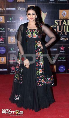 Guild Awards 2013: Huma Qureshi was resplendent in a black Indian outfit.