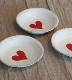 valentine plates--simple, but so cute!