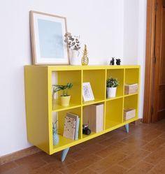 Pata realizada en madera de pino y lacada. Con esta pata de 17cm de altura podrás transformar y mejorar cualquier mueble, sofá o sillón