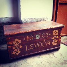 maľovaná truhlica z levoče! Folk, Hope Chest, Storage, Handmade, Home Decor, Purse Storage, Hand Made, Decoration Home, Popular