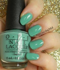 OPI My Dogsled is a Hybrid | Be Happy And Buy Polish http://wp.me/p3n4zP-1ve