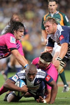Super Rugby Rd 6 - Stormers v Bulls. I want her pink shirt!!