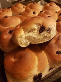 Greek Recipes, Diet Recipes, Cooking Recipes, Dutch Oven Bread, Bread Art, Good Food, Yummy Food, Delicious Recipes, Bread Rolls