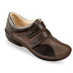 Pantofi ortopedici, OrtoMed® 3750-P154, din piele naturala si material textil tip stretch, pe partea interioara a pantofului, fiind special proiectati pentru persoanele cu monturi / Hallux Valgus. Datorita brantului detasabil, se pot purta cu plantari/branturi personalizate/sustinatori plantari/talonete personalizate. Marimi: 37-41. Sneakers, Shoes, Fashion, Bunion, Tennis, Moda, Shoe, Shoes Outlet, Fashion Styles