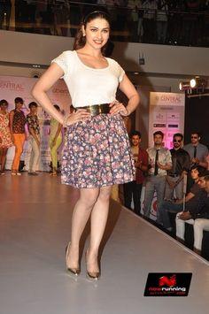 Prachi Desai At Central Fashion Show