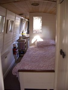 Lovingly crafted Narrowboat for cruising the canal network or a beautiful home. Small Space Living, Tiny Living, Small Spaces, Living Spaces, Canal Boat Interior, Sailboat Interior, Houseboat Living, Houseboat Ideas, Barge Interior