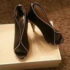destin coach outlet apas  Michael Kors Heels Worn twice Can no longer wear heels My lost