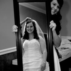 Great Picture idea. Bride and Maid of Honor.