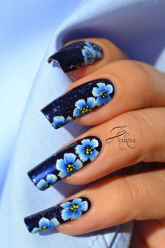 Kakine Nail Art: Fleurs royales