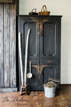 Primitive Furniture can look even more primitive with the right paint. Wise Owl Chalk Synthesis Paint