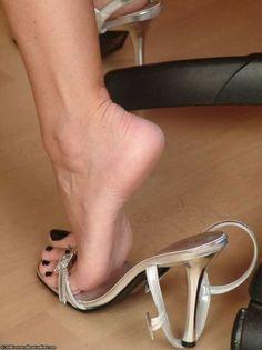 "snoopythatsme: ""the-pedi-connoisseur: ""Sexy long toes! Beautiful Toes, Beautiful High Heels, Sexy Sandals, Bare Foot Sandals, Feet Soles, Women's Feet, Stilettos, Stiletto Heels, Pumps"