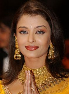 Indian actress, Aishwarya Rai, she has to be one of the most beautiful women in the world. Aishwarya Rai Cannes, Actress Aishwarya Rai, Aishwarya Rai Bachchan, Bollywood Actress, Amitabh Bachchan, Deepika Padukone, Bollywood Makeup, Bollywood Party, Bollywood Fashion