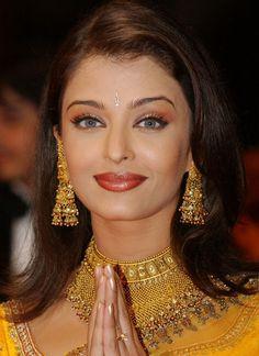 How To: Do Bollywood Makeup   Makeup For Life - Beauty Blog, Makeup Tutorials, Reviews, SwatchesMakeup For Life – Beauty Blog, Makeup Tutorials, Reviews, Swatches