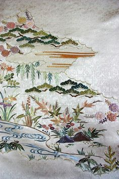 The Japanese embroidery is a brilliant piece of art creation spanning centuries old and is used to decorate ceremonial garments like on Japanese kimonos and other decorative items. Chinese Embroidery, Learn Embroidery, Machine Embroidery Patterns, Silk Ribbon Embroidery, Embroidery Art, Embroidery Stitches, Embroidery Designs, Chinese Patterns, Japanese Patterns