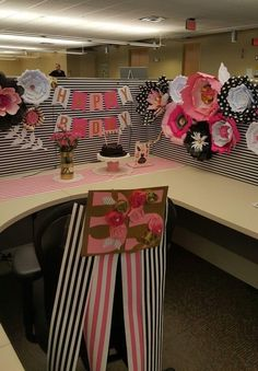 Desk Celebration Decorations That Are Way Too Fun For Work - Pink, White, and black stripes design Cubicle Birthday Decorations, Office Decorations, Coworker Birthday Gifts, Flower Shadow Box, Birthday Girl Pictures, Birthday Diy, Birthday Ideas, Birthday Parties, Work Cubicle