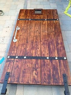 DIY barn door can be your best option when considering cheap materials for setting up a sliding barn door. DIY barn door requires a DIY barn door hardware and a