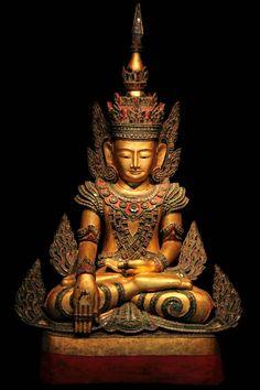 Extremely Rare 18C Bronze Ayuttaya Thai Buddha