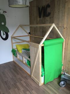 Ikea Kura bed make-over!