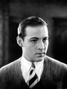 Women are not in love with me but with the picture of me on the screen. I am merely the canvas on which women paint their dreams. - Rudolph Valentino