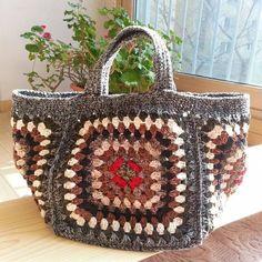 Marvelous Crochet A Shell Stitch Purse Bag Ideas. Wonderful Crochet A Shell Stitch Purse Bag Ideas. Love Crochet, Crochet Yarn, Crochet Stitches, Crochet Handbags, Crochet Purses, Granny Square Bag, Crochet Shell Stitch, Purse Patterns, Crochet Blanket Patterns