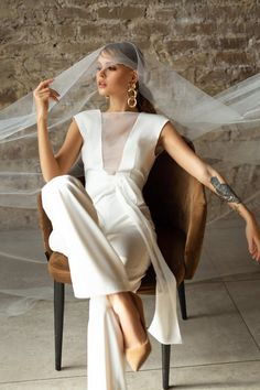 Alternative wedding dress by Dream&Dress. wedding jumpsuit, modern bridal gown, minimalist wedding, reception gown, stylish prom or evening ivory suit Alternative Wedding Dresses, Alternative Bride, Reception Gown, Wedding Reception, Wedding Jumpsuit, Unconventional Wedding Dress, Costume, Fall Wedding Dresses, Ivoire