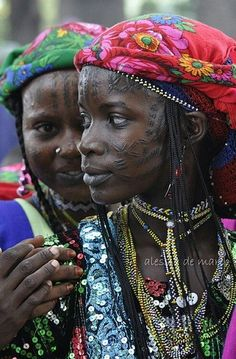 Peul girls with facial tattoos.
