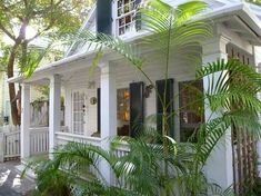 Adorable turnkey Conch cottage on a very private walking lane in the heart of Old Town Key West. Beach Cottage Style, Beach Cottage Decor, Coastal Cottage, Coastal Homes, Coastal Living, Key West Cottage, Key West House, Cottage House Plans, Cottage Homes