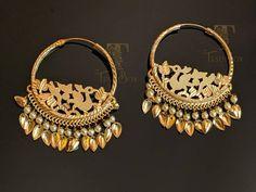 Jewelry Art, Wedding Jewelry, Gold Jewelry, Jewlery, Fashion Jewelry, Gold Earrings Designs, Gold Jewellery Design, Designer Jewellery, Traditional Earrings